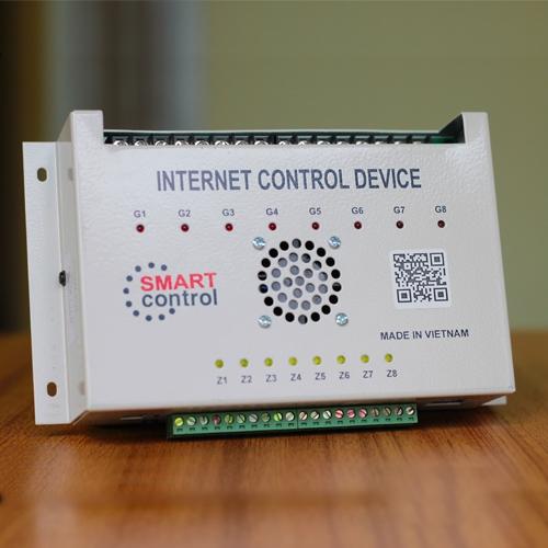 trung-tam-dieu-khien-thiet-bi-qua-internet-smart control 1-500x500
