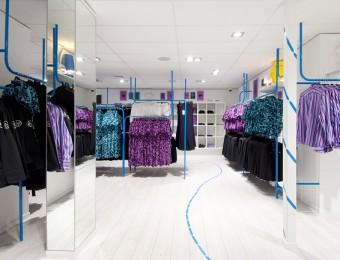 Thiết kế nội thất shop, cửa bán quần áo ấn tượng