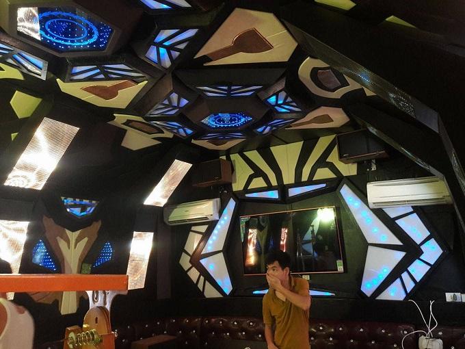 mẫu phòng hát karaoke vip đẹp (7)