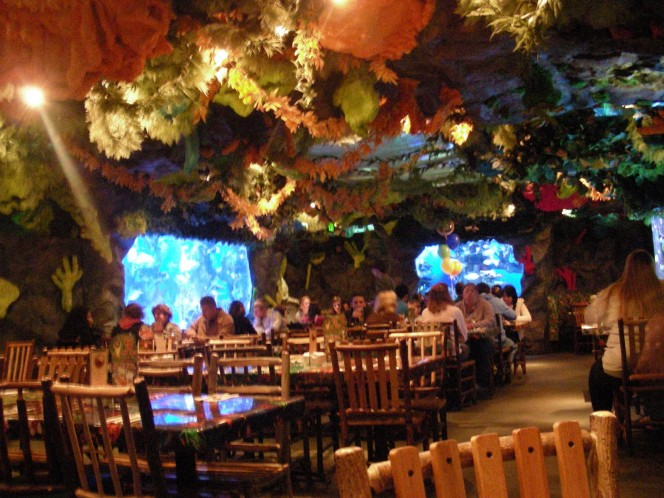 Rainforest-cafe-Interior-design-664x498