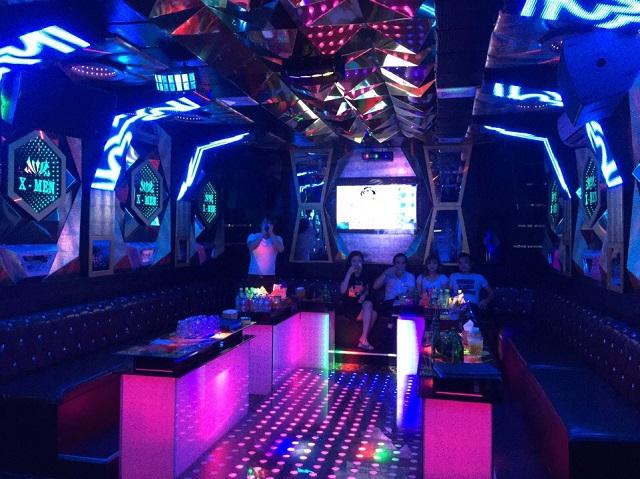 thiet ke mau phong karaoke dep (8)
