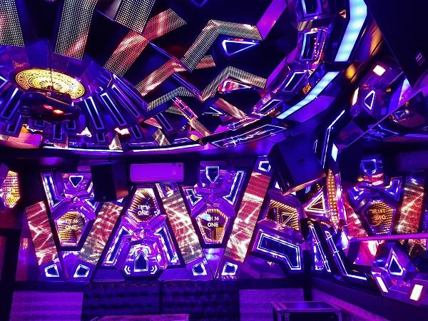 mau phong hat karaoke dep (60)
