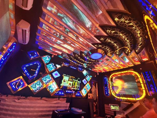 mau phong hat karaoke dep (80)