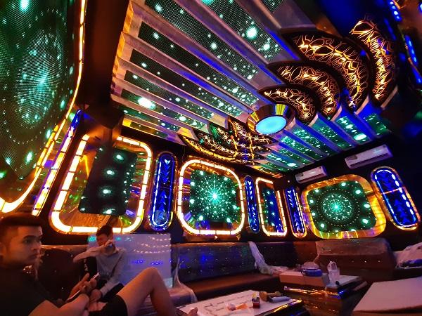mau phong hat karaoke dep moi nhat (7)