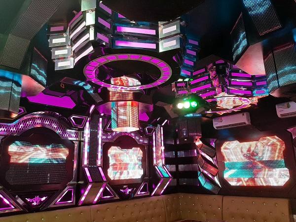 mau phong hat karaoke vip dep nhat (1)