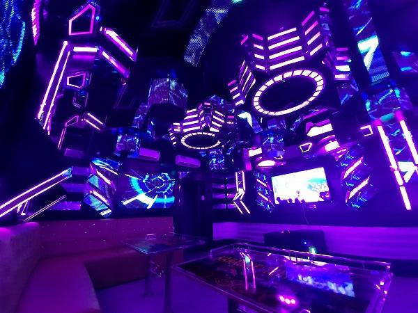 mau phong hat karaoke vip dep nhat gia re (1)
