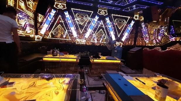 mẫu phòng hát karaoke inox đẹp nhất (4)