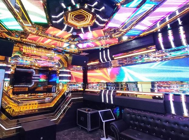 những mẫu phòng karaoke inox mới siêu đẹp đẳng cấp (15)