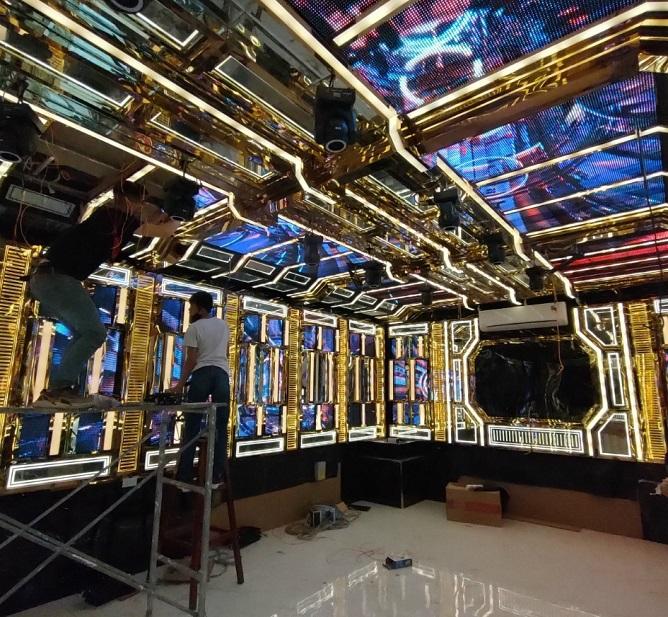 gia-chi-phi-thi-cong-lam-phong-karaoke-gia-dinh (3)